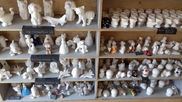 pottery figures